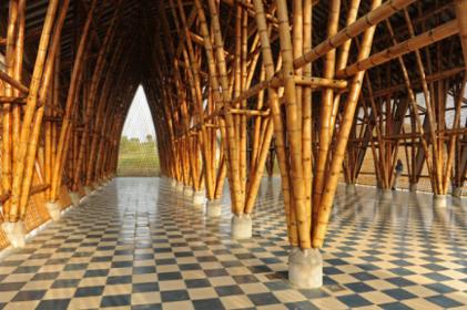 bâtiment construit en bambou colombie matériau biosourcé